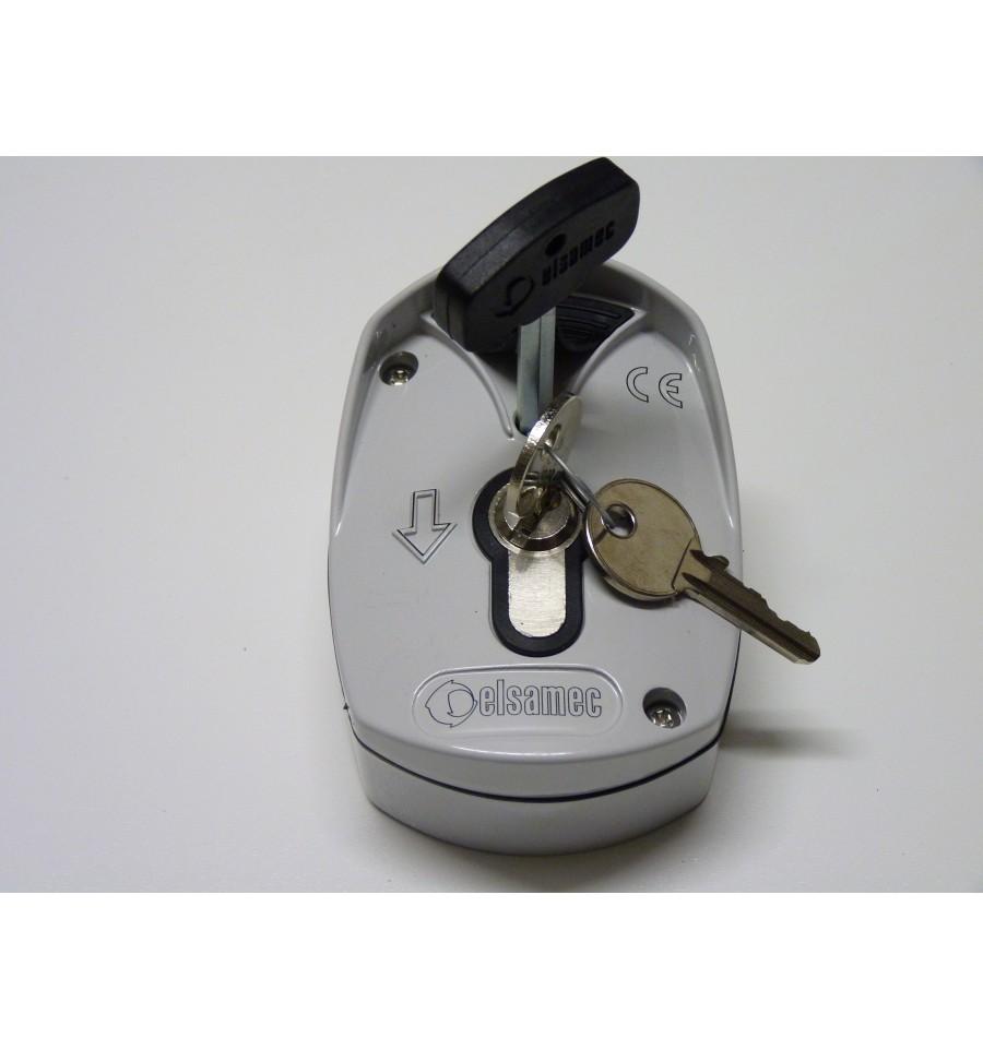 Selettore a chiave elsamec per serrande sk elektronica for Estrarre chiave rotta da cilindro